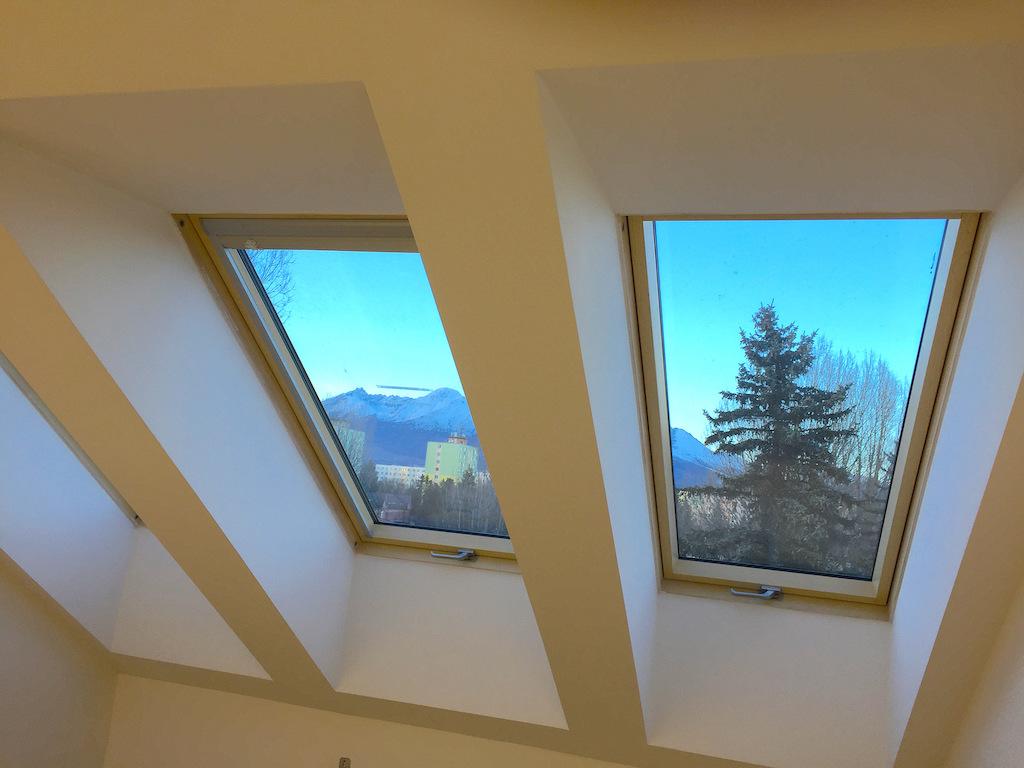 Sadrokartón a podkrovné miestnosti, šikminy, sadrokartón a strešné okná